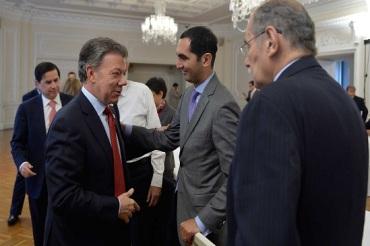 Con el representante a la Cámara y presidente del Partido Conservador, David Barguil, y el codirector del Partido Liberal, el senador Horacio Serpa Uribe, el Presidente Santos diálogo en torno a la conformación de un bloque de unidad nacional por la paz.